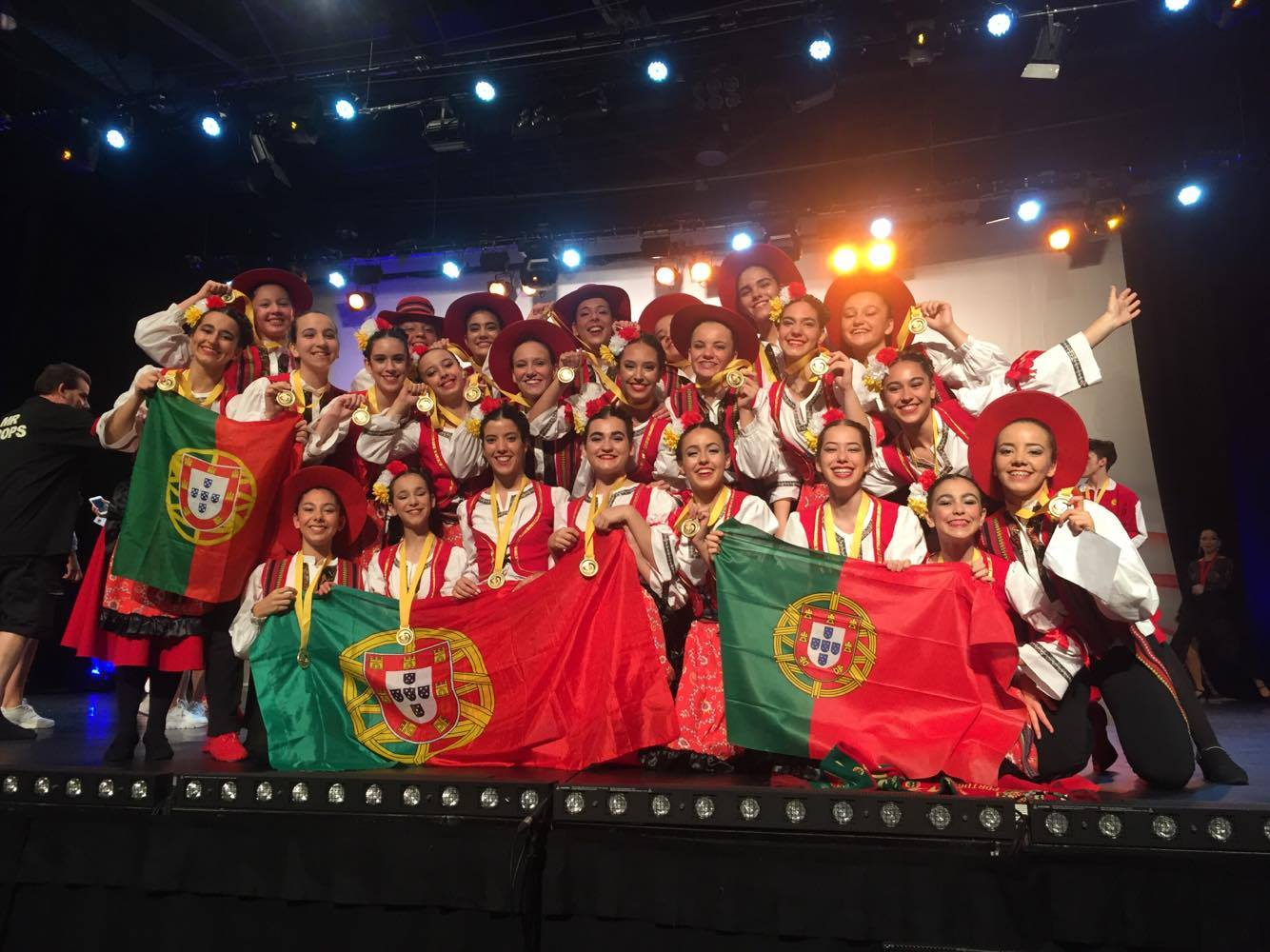 DNA_SERBIAN DANCE gold medal